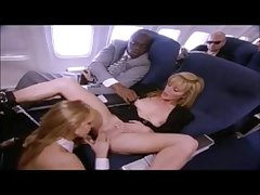 Ginger Lynn & Juli Ashton dans l'avion