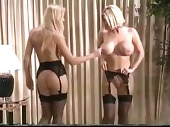 Blonde MILFS Sexfight
